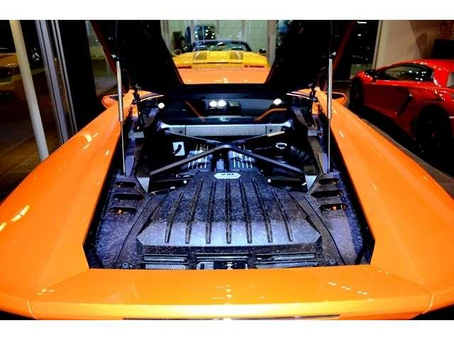 エンジンには直噴及びポート噴射を組み合わせたIDS(イニツィオーネ・ディレッタ・ストラティフィカータ)を採用し、パワー及びトルクの増加と燃費の低減を実現しました。レスポンスも向上しています。