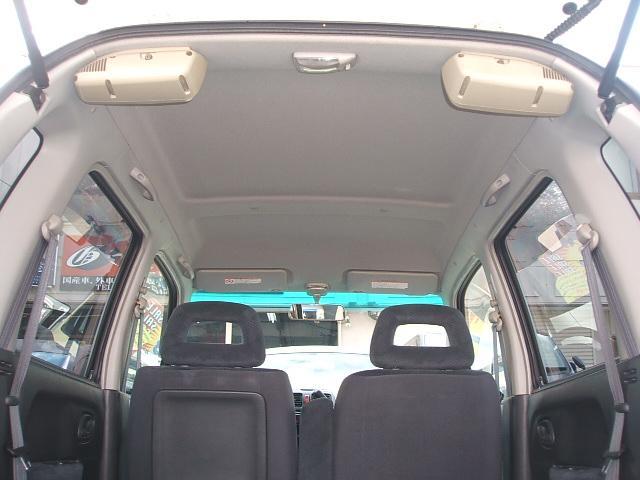 もちろん天井もキレイに拭いてありますよ!ヤニだらけ、、、、なんて事はありませんのでご安心ください。 愛知 大治 格安 軽四 軽自動車 安い 中古車 保障付 安心整備 ジーフリー G−FREE