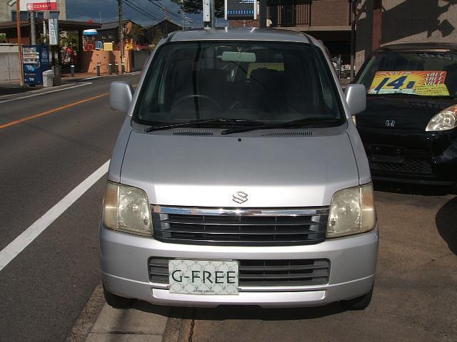 正面からの画像です。ヘッドライト、グリル、割れなどはありません。ボンネットもキレイです。   愛知 大治 格安 軽四 軽自動車 安い 中古車 ジーフリー G−FREE