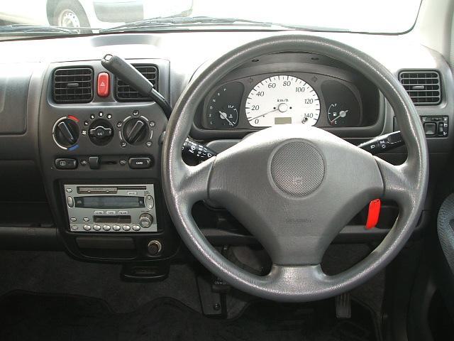 シンプルなコンソール(画像部分)は使い勝手も便利!ごちゃごちゃしているよりもシンプルなほうが、使いやすくて結構便利です。 愛知 大治 格安 軽四 軽自動車 安い 中古車 ジーフリー G−FREE