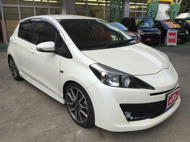 (トヨタ) 【中古】 5速マニュアル車 【評価書付】 GRスポーツGR ヴィッツ