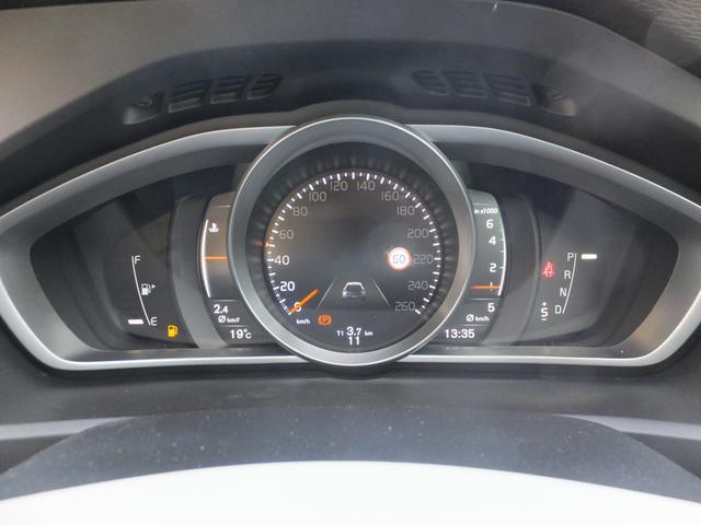 ボルボ ボルボ V40 T3 インスクリプション