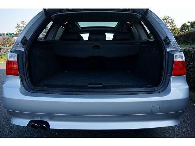 BMW BMW 525iツーリング 黒革