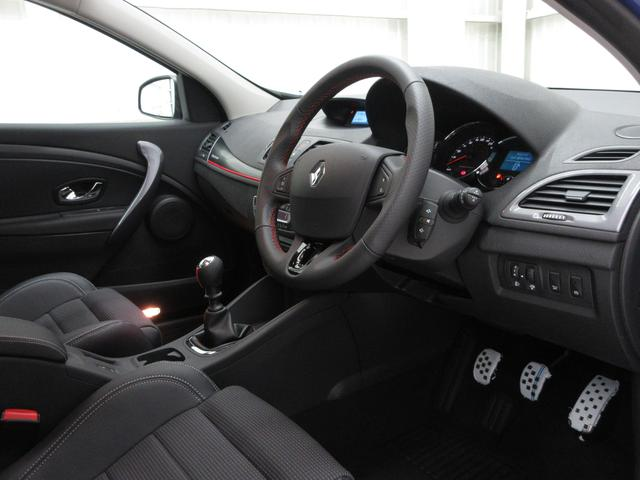 GT220登録済未使用車6MT新車保証継承18AWクルコン(9枚目)
