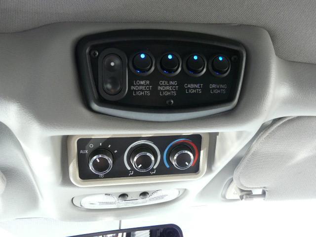 GMC GMC サバナ エクスプローラー ハイルーフ 両側観音開きドア