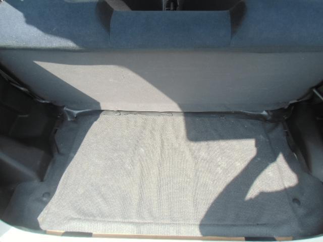 工具がトランクルームの下に装備されているので、広々としていて使いやすいです。