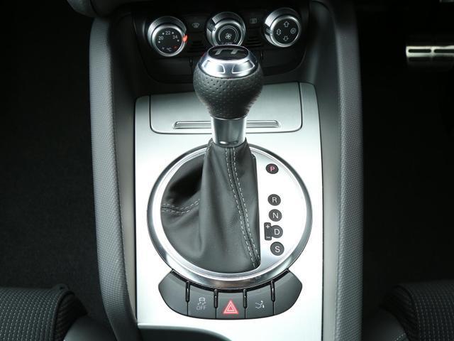 アウディ アウディ TTクーペ 2.0TFSI クワトロ Sラインパッケージ 認定中古車