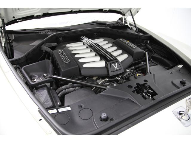 BMW製V12 6.6L ツインターボ 570PS(カタログ値)の実力をもつ心臓部。昔はロールスはスペックを秘公開としていた事から時代の流れを感じさせる新世代ロールスです。
