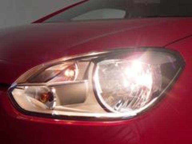 充分な明るさのハロゲンヘッドライト。別途純正オプションのキセノンヘッドライトの装着も承ります。お電話0066−9700−8191までお気軽にお問い合わせ下さい。