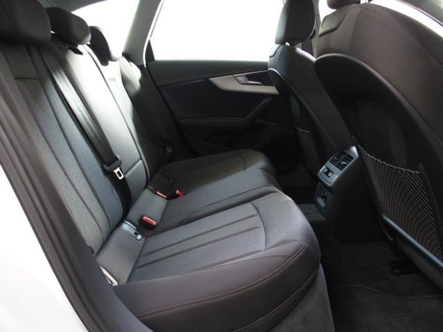 アウディ アウディ A4アバント 2.0TFSI LEDヘッドライト 17AW 認定中古車