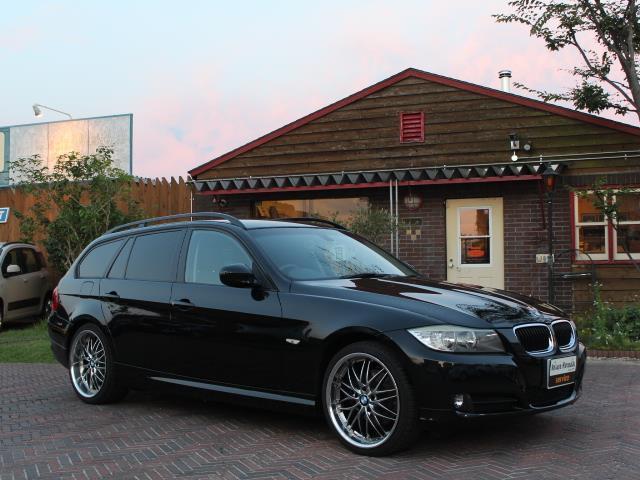 BMW 3シリーズ 320iツーリング スタイルエッセンス (なし)