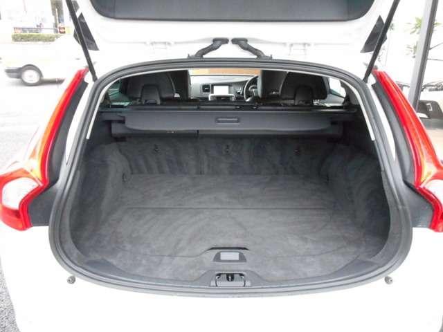ボルボ ボルボ V60 T6 AWD SE 黒革 フルセグHDDナビ キセノン