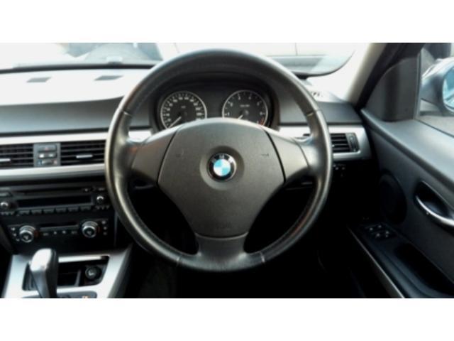 BMW BMW 320i キセノン 純正CD メモリー機能付きPシート