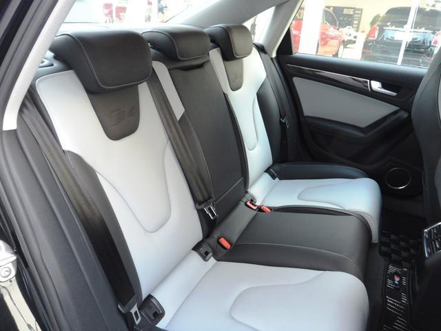 アウディ アウディ S4 白黒コンビレザーPシート フルセグナビ HID