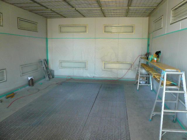修理・板金・塗装は提携工場で