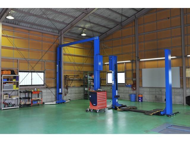 整備工場となります。リフトは計3機+検査ライン。まさかの時も受け入れる体制が整っています。