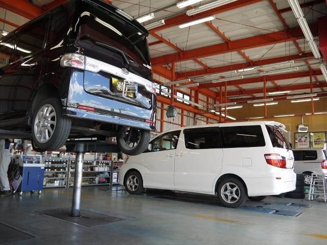 車検・一般整備はもちろん、鈑金修理も当社で受付けております。