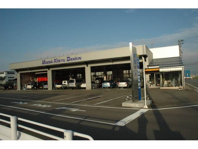 福井市にある自動車鈑金塗装のプロ工場。