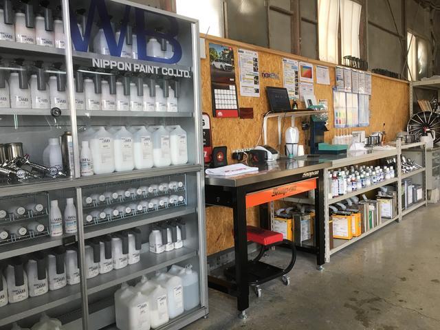 塗料は環境に優しい塗料を使用しています。国産・輸入車のカラー全て対応しています。