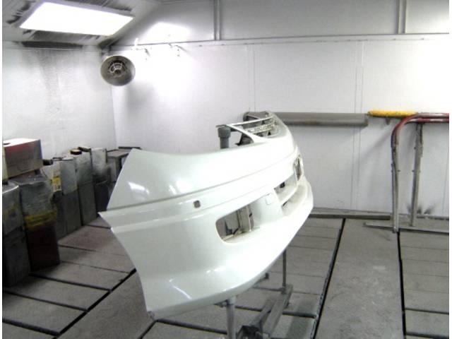 バーツ塗装ブースを完備しています