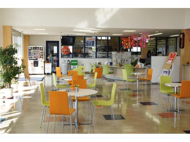 自社民間車検工場にてしっかりと整備をいたします☆国産車はもちろん、輸入車・トラック等も整備可能です!