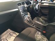 お車の内装に関わる様々な修理を行っております。