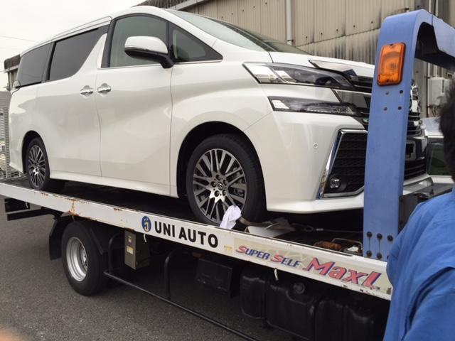 自社ローダー完備!走行不能車両の引き取り車検、修理も致します。