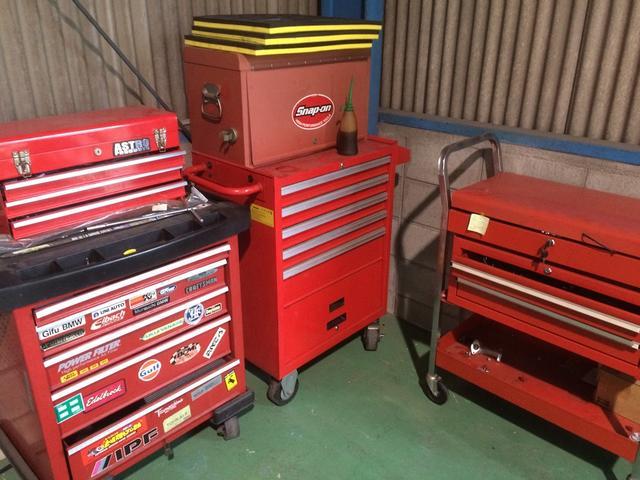 工具は車種によって異なります。あらゆる車種に対応可能です。