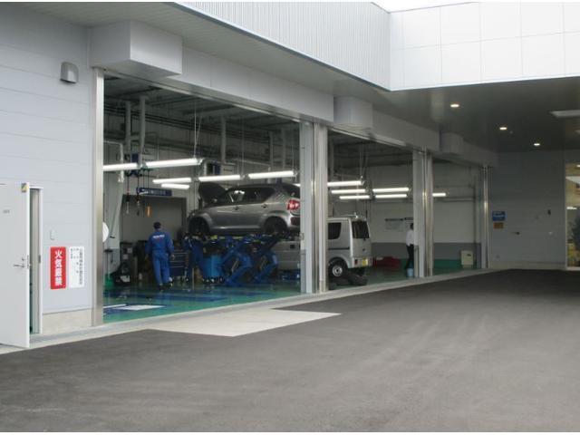 自社工場完備で万一のトラブルにもプロの的確なチェックと確実な整備で対応致します。