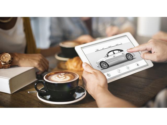 管理ユーザー様からの下取り車両を中心として希少車の販売に力を入れております。