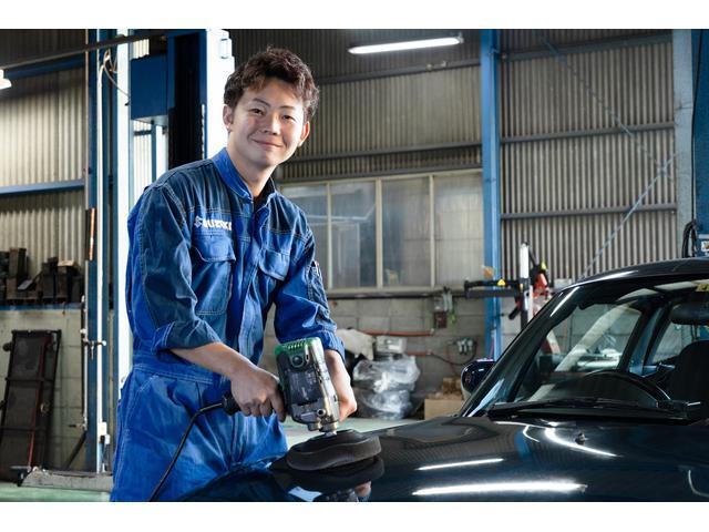 リフトも3台と広い工場内。