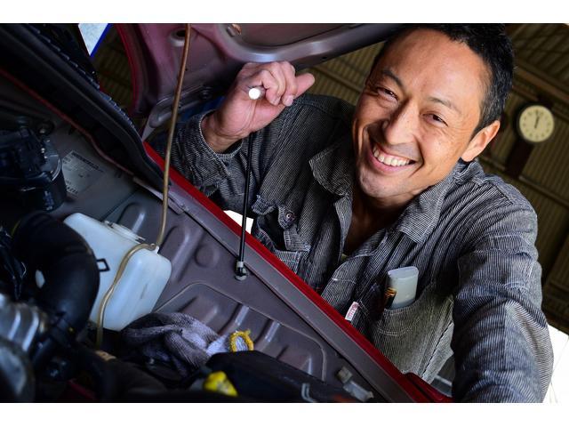 熟練の技を持った整備士がお客様のお車を自分のことのように整備致します。