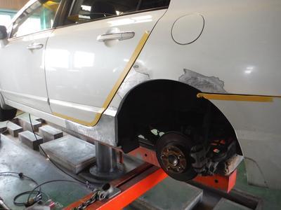小さな凹みから大きな事故修理までOK
