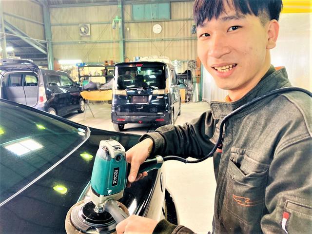 熟練の技術をもったスタッフたちが皆様の愛車をお直しします。