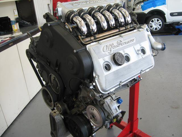 ナビ付けや車検などの軽作業からエンジン・ATのオーバーホールまで自社で対応させて頂きます。