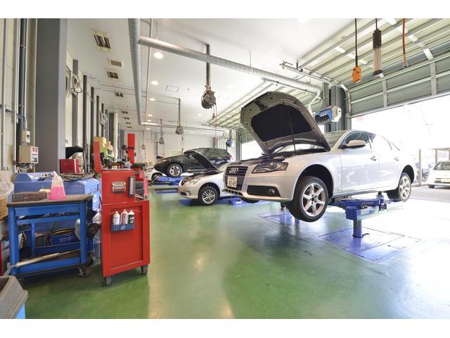 運輸局指定工場も併設!安心・信頼の整備は北日本自動車共販の誇りです!どんなことでもお任せください!