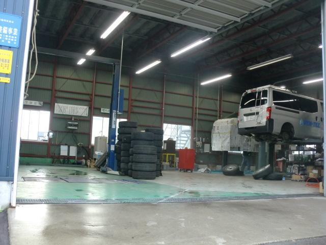 自社指定工場完備!!車検・整備・板金・塗装などお気軽に当店までご相談下さい!
