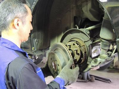 匠な技術でお客様のお車を仕上げます。