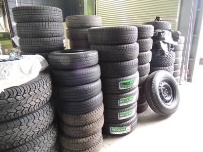 夏冬のタイヤの交換は、当社で一括サービス
