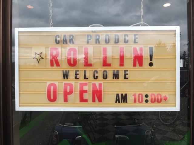 当店看板です!色々な車種の販売・整備経験がございます。又、同業者様からも整備依頼を受けております