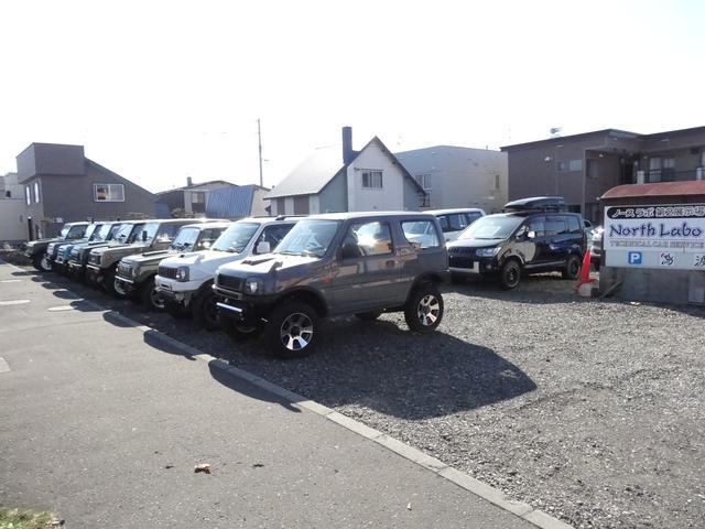 当社は、ランドクルーザー、ランドクルーザープラド、ジムニー等、国産4WDをメインに販売しております!