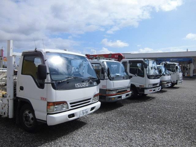 搬送車も複数台完備しております。お車の買取や、廃車・事故車買取もお気軽にご相談下さいませ。