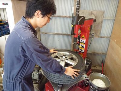 タイヤの組換えは18インチまで対応