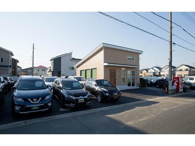 クローバーランドカーズ越谷本店 SUV・スポーツ専門店の店舗画像