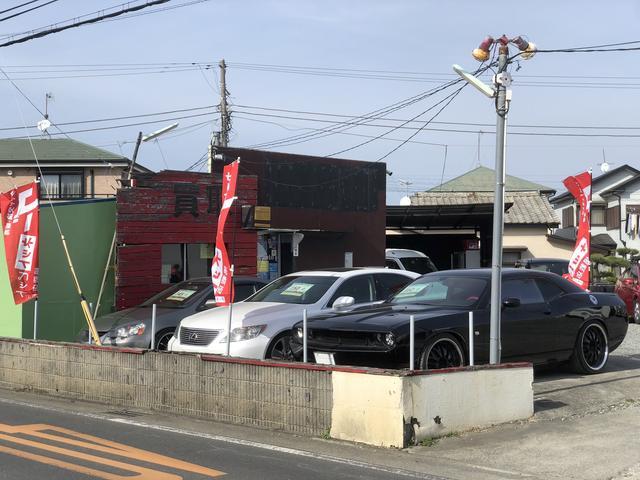 整備だけでなく、新車・中古車の販売も得意としております。