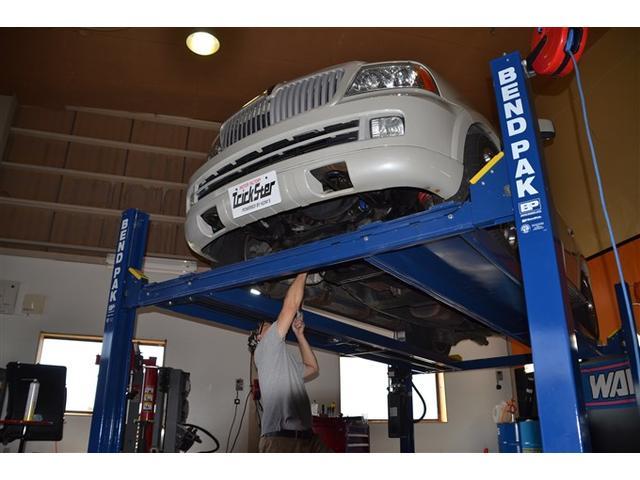修理、板金塗装、車検、販売、パーツ取付など お客様の車の困ったを解決するお店です。