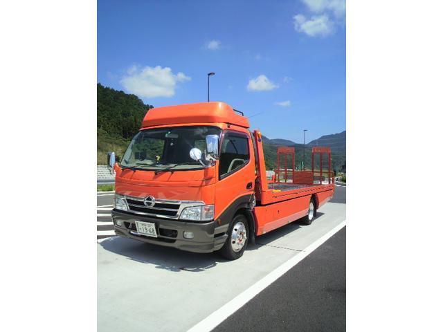 新東名高速道路の新静岡インターより車で5分の場所にあります。