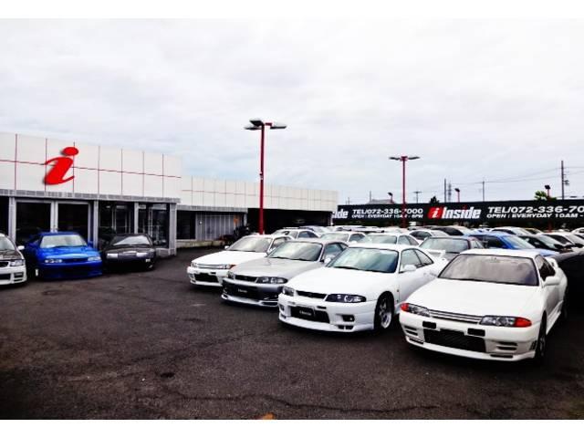 インサイドでは希少性の高い上質なスポーツカー&ドレスアップ輸入車を中心に取り扱っております。