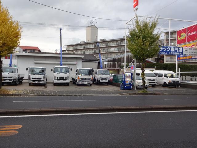 兵庫園田店では5〜10台展示しております。