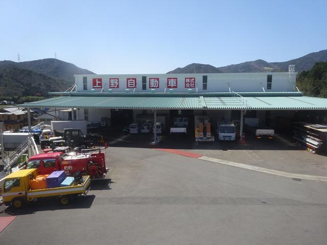 兵庫篠山支店には大型の工場、塗装ブースも併設されています。鈑金・塗装、修理、架装もお任せください!
